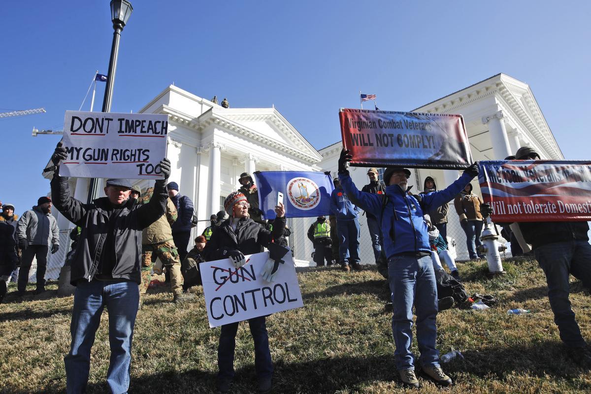 Pro-Gun Protesters Swarm Richmond