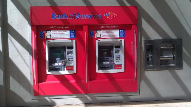 Bank_of_america_atm_-_panoramio.jpg
