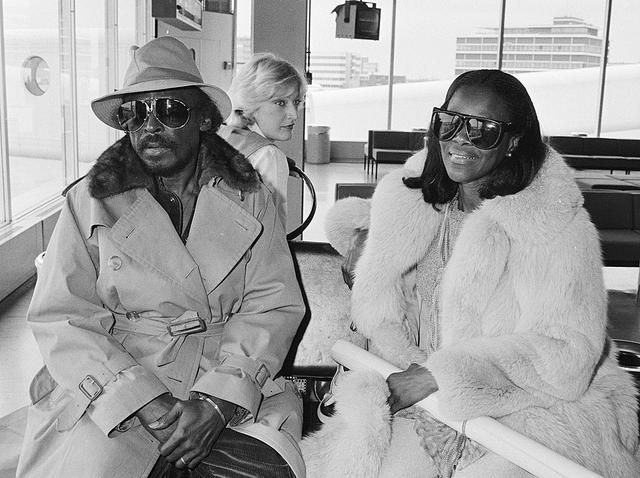 YOUNG-Miles_Davis_and_Cicely_Tyson_1982.jpg