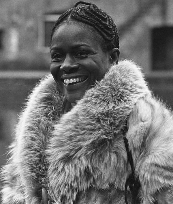 YOUNG-Cicely_Tyson_1973_(cropped).jpg
