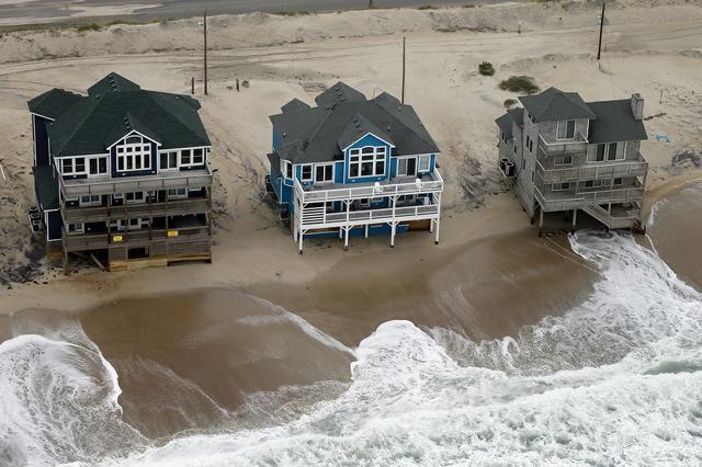 Harris-FEMA 100121.jpg