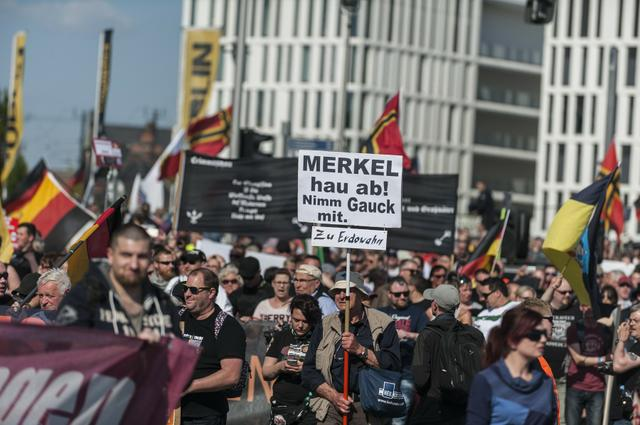 berlin_neo-nazis.jpg.jpe