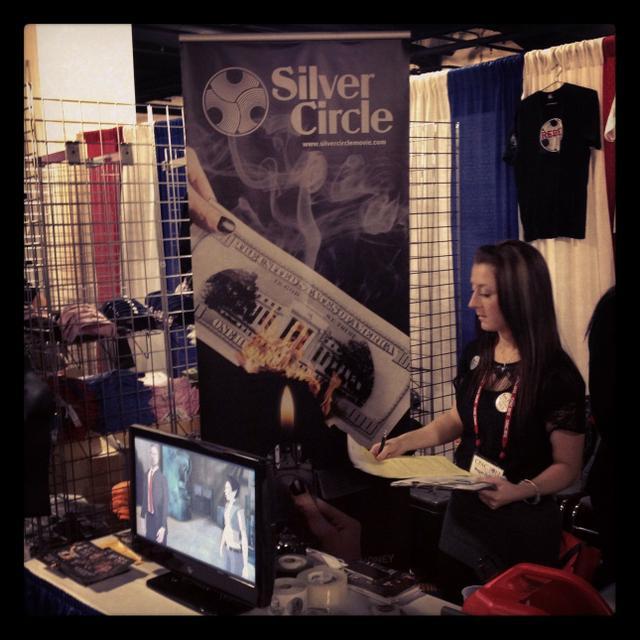 silver_circle_1_0.jpg.jpe
