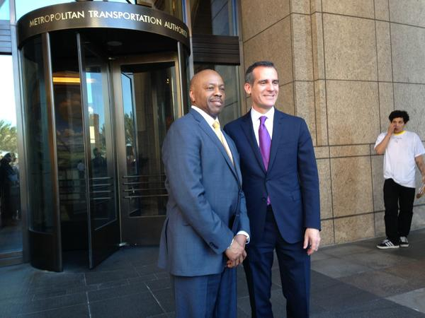mayor_garcetti_with_new_metro_ceo_phil_washington._16628652317.jpg.jpe