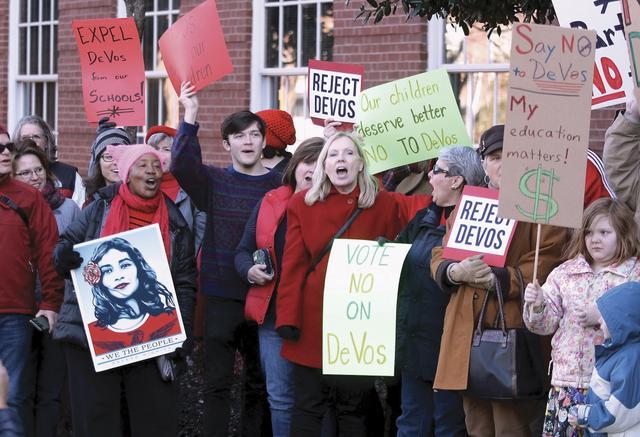 devos_protest_2.jpg.jpe