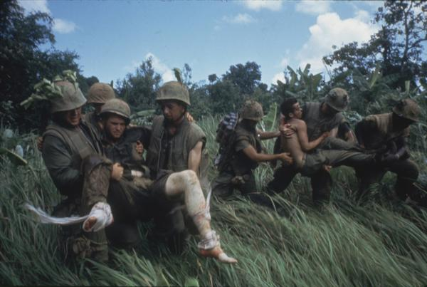 marines_carrying_wounded.jpg.jpe