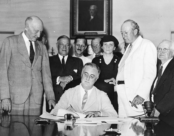 1147px-signing_of_the_social_security_act.jpg.jpe