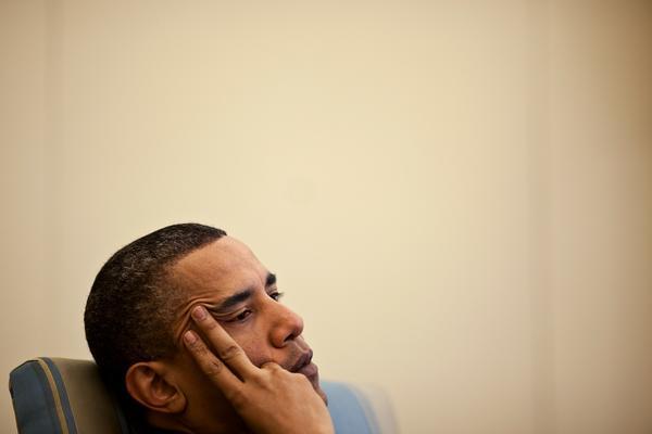 barack_obama_in_the_oval_office_april_2010.jpg.jpe